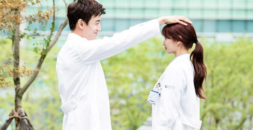 朴信惠在韓劇醫生們劇照|美周報